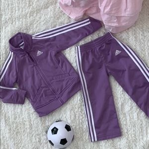 Girls Adidas Track Suit 💜